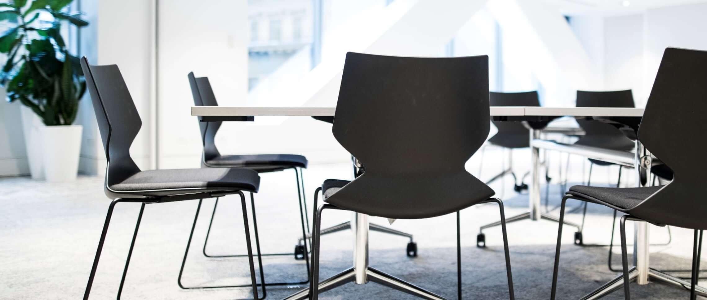 lokal för handledarkurs stolar bord konferenssal